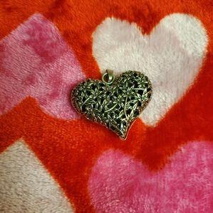 Flower heart puff pendant